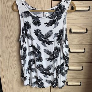Like New XL Black and White Tank